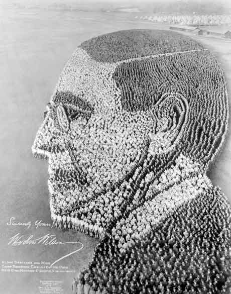 Arthur Mole's Living Portrait of President Woodrow Wilson, Made With 21,000 Troops In 1918
